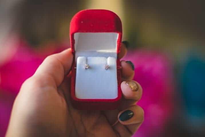 how-sell-earrings-online